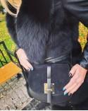 Bardzo kobieca listonoszka vera pelle z zamszem czarna
