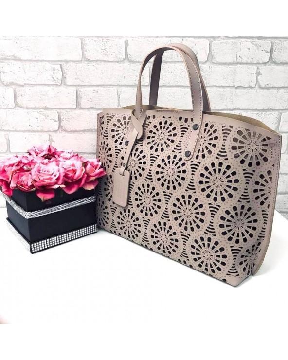 Włoski shopper bag z ażurem róż pudrowy