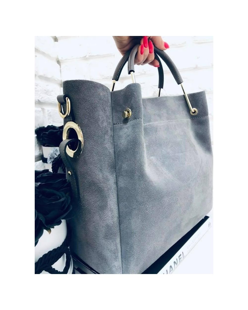 32a1fce83c1e5 Włoska torebka zamszowa duży kuferek z frędzelkiem a'la LV szary ...