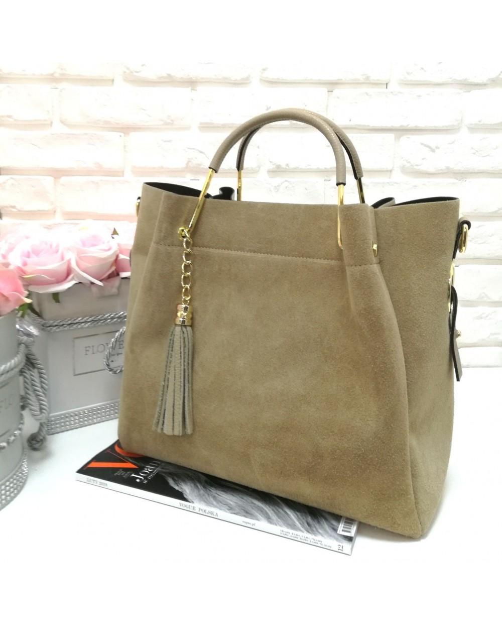 c9722f734b124 Włoska torebka zamszowa duży kuferek z frędzelkiem a la LV beżowa ...