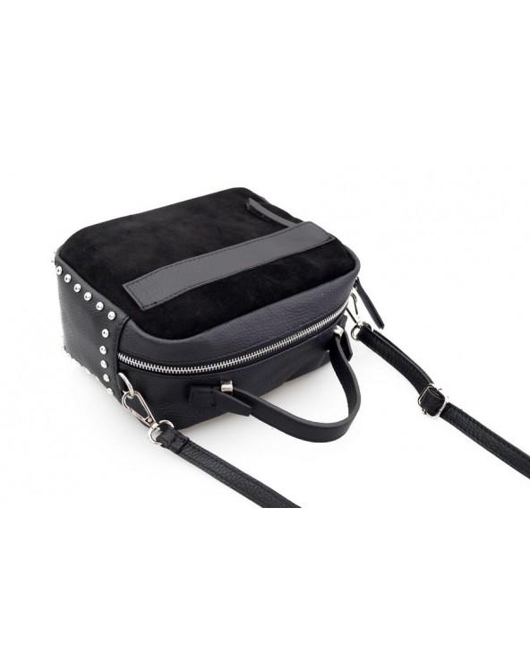 Zamszowa listonoszka kuferek z ćwiekami czarna