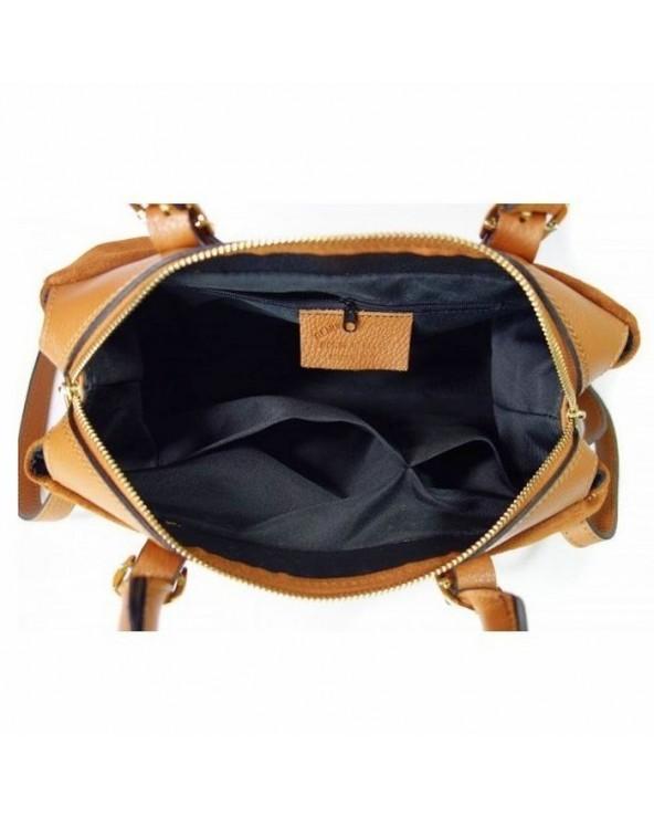 wnetrze torebki wloskiej vera pelle camel kuferek zamsz