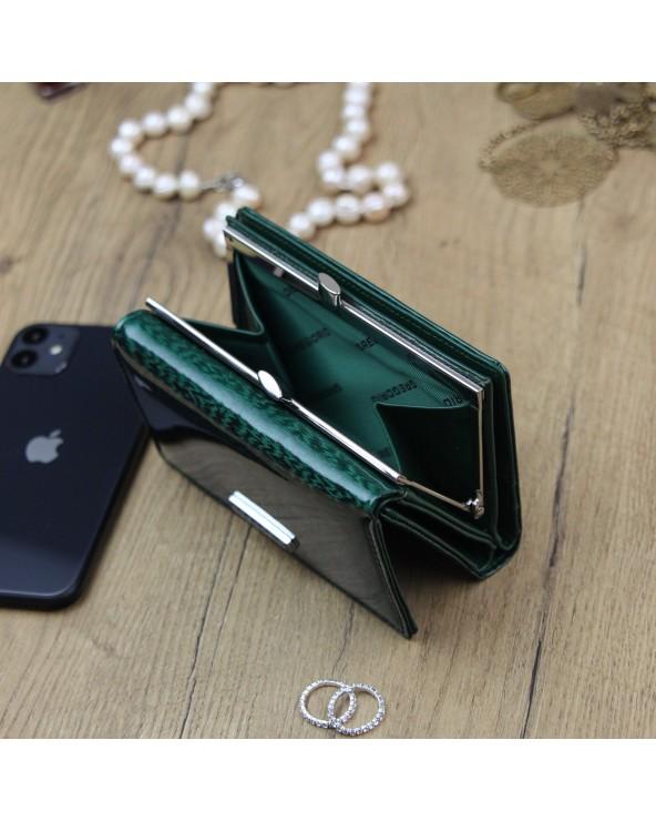 Damski portfel skórzany Gregorio zielony na bigiel