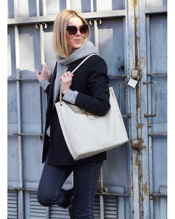 Laura Biaggi skórzana torebka z nitami beżowa