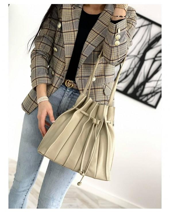 plisowana torebka Laura Biaggi worek skórzany
