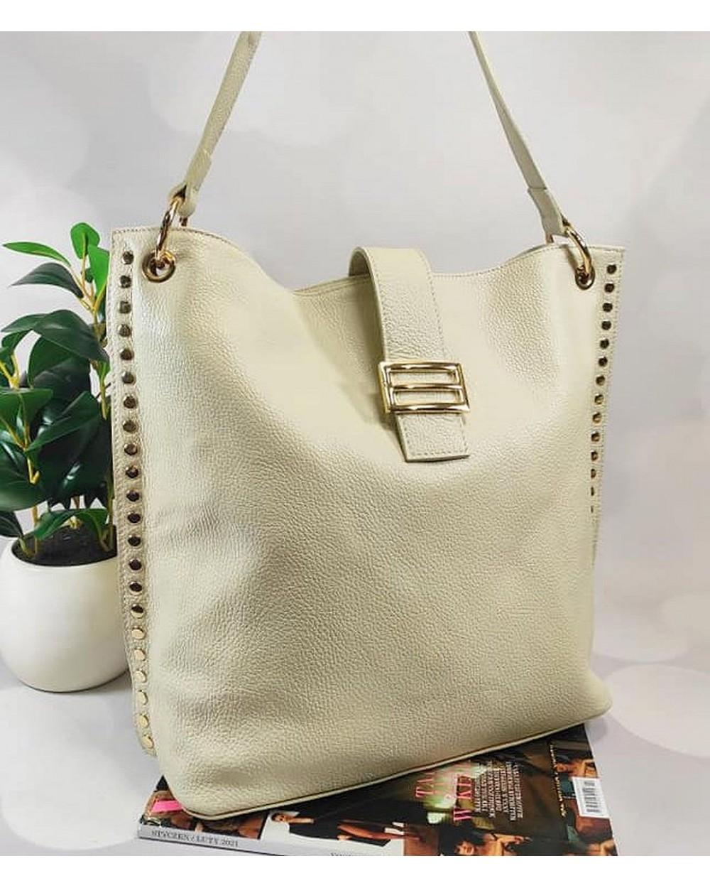 Skórzana torebka Laura Biaggi z nitami beżowa