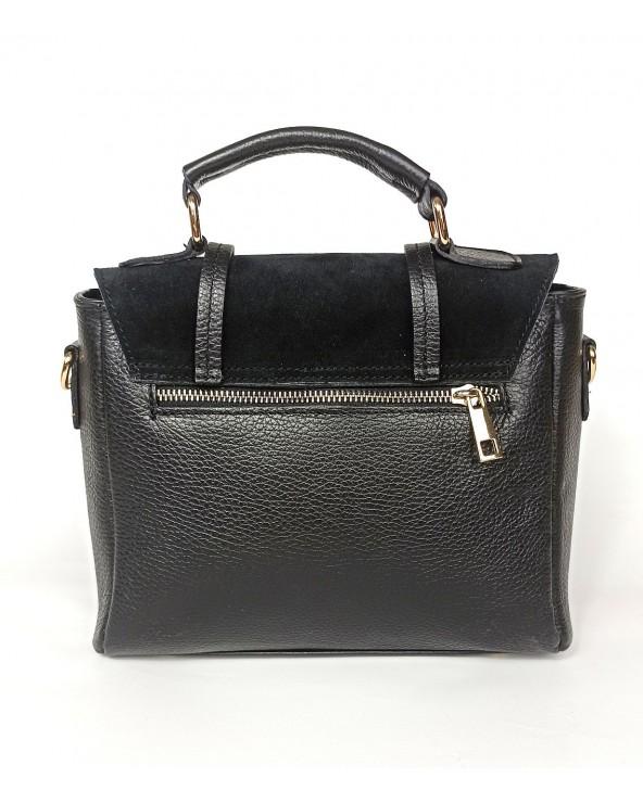 tylna kieszonka w Skórzana torebka listonoszka kuferek Swallow czarna